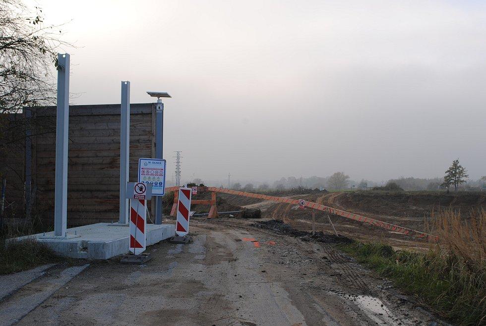 Výstavba D3 v ulici Do Mladého, kde bude prstencová mimoúrovňová křižovatka.