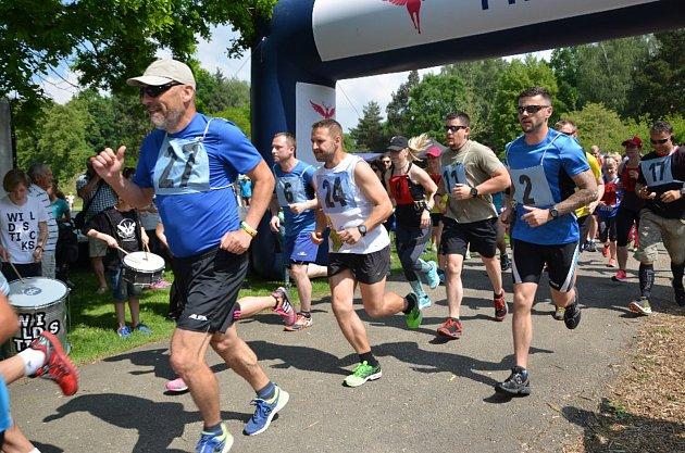 Letos již šestý ročník Modrého běhu se uskutečnil v sobotu v lesoparku Stromovka v Českých Budějovicích.