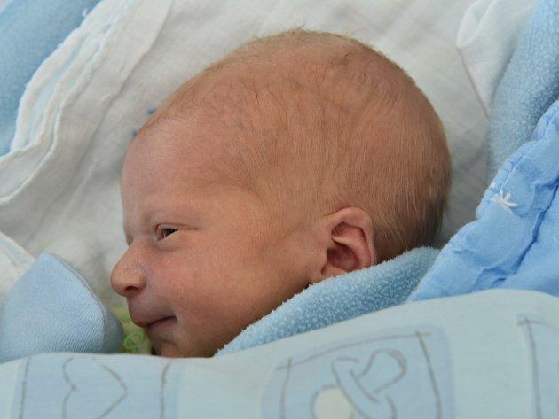 Matyáš Veselý z Českých Budějovic přišel na svět 3. 6. 2016 ve 12.25 hod. Po porodu vážil 3175 gramů. Rodiči jsou Petra Konvičková a Radek Veselý.