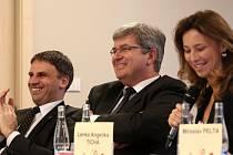 OPTIMISMUS ze zlepšující se kondice českého sportu sršel z účastníků úterní konference.  Zleva: Jiří Zimola, Miroslav Jansta a Lenka Angelika Tichá.
