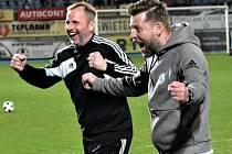 Trenér David Horejš se raduje, jeho svěřenci vyhráli i v Ústí nad Labem a vedou II. ligu už o sedm bodů.