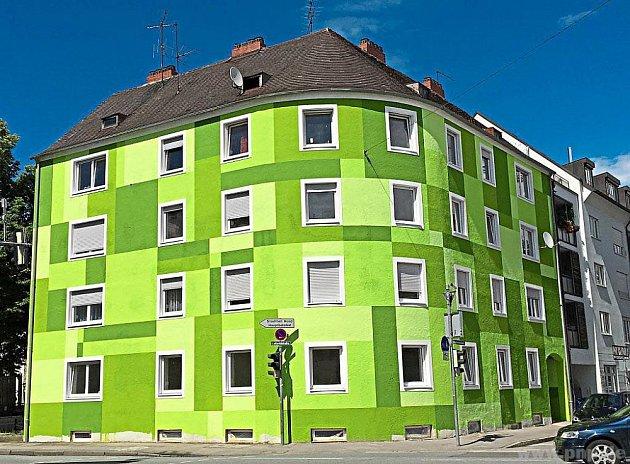 Zelený dům se radnici nelíbí.
