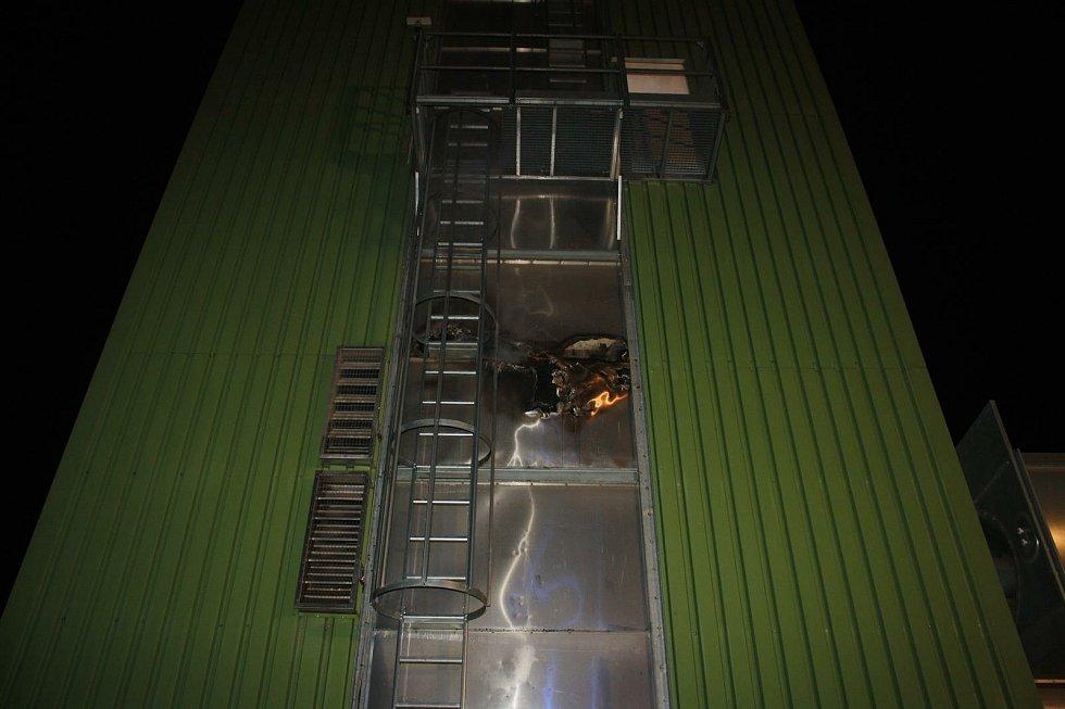 Požár sušky v Týně nad Vltavou způsobil škodu za 1,5 milionu.