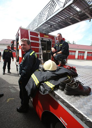 Žebřík poslouží hasičům vKaplici.