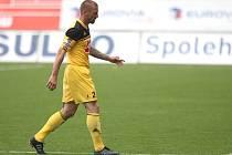 Tomáš Řepka proti Riedu nehrál, za vyloučení v Jablonci dostal pět zápasů stop.