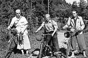 Milovníci kol.  Nejen házenkáři či fotbalisté, na Hluboké holdovalii cykloturistice.
