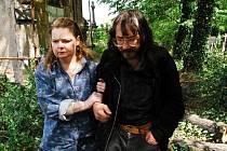 V českobudějovickém kině Kotva začíná 19. března Jeden svět, festival dokumentárních filmů o lidských právech. Potrvá do 21. března a přinese deset filmů. Snímek z filmu Láska v hrobě.