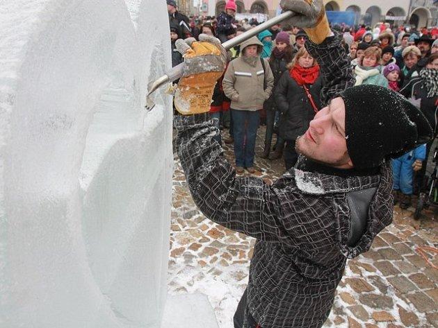 Ledové sochy na náměstí v Jindřichově Hradci.