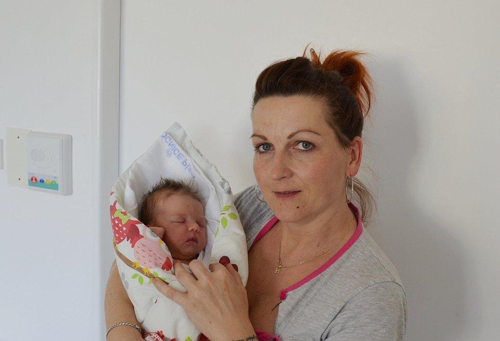 Do Písku odjela s rodiči Hanou Zdychyncovou a Markem Kabelem novorozená Sára Kabele. Narodila se 24. 4. 2021 v 00.19 h. Její porodní váha byla 3,25 kg. Doma ji čekali 10letá sestra Zuzanka a 14letý bráška Dominik.