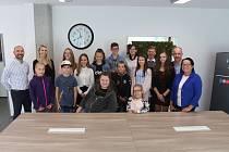 Mladí talentovaní Jihočeši získali v pátek prostředky z výtěžku šestého ročníku Kabelkového veletrhu Deníku.