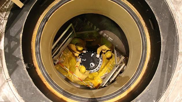 Z reaktoru prvního bloku Jaderné elektrárny Temelín už energetici vyvezli všechno palivo.