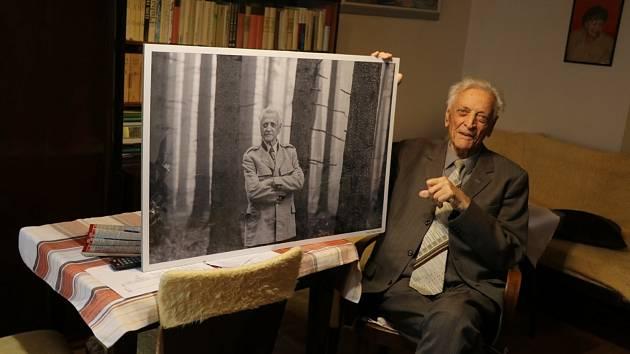Lesák a Šumavák. To je stále aktivní 95letý Ivo Vicena.