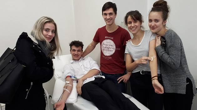 Studentské krvebraní si klade za cíl popularizovat darování krve hlavně u mladých studentů.