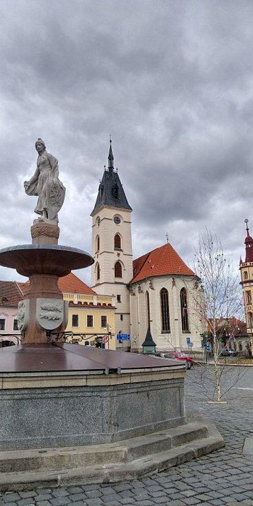 Květy a jiná jarní výzdoba na jihu Čech.  Vodňany.