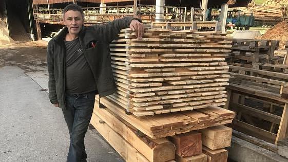 Dřevo na kostel nařeže zdarma.