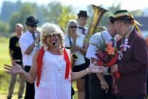 Vesnická zábava pořádaná ke konci léta na znamení ukončení sklizní je podle tradic vyhrazená hlavně svobodným děvčatům a vdaným ženám. Ve Zbytinách se Konopické ujaly Zbytinské baby.