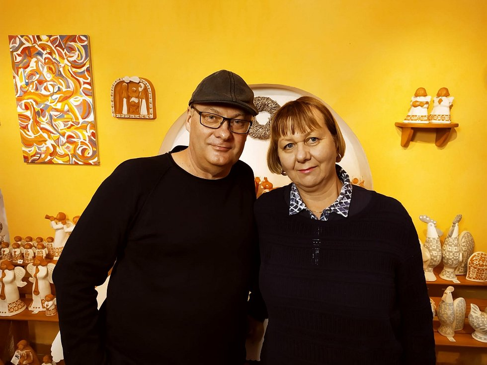 Spolu. Keramika Ály a Martina Rabochových z Trhových Svinů patří k jihočeskému koloritu.