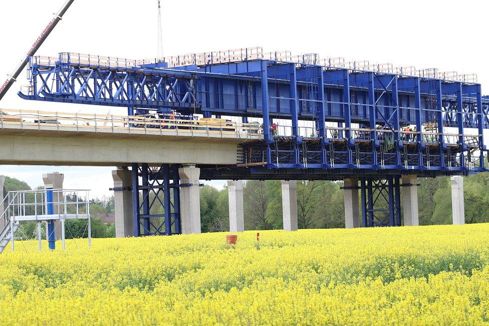 Výstavba dálnice v Českých Budějovicích uVidova