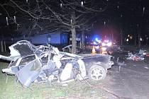 Při nehodě, která se v Českých Budějovicích stala v neděli ráno, zemřeli dva lidé.