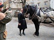 V Českém Krumlově se 2. listopadu natáčel německý historický film o reformátorovi Martinu Lutherovi. Dvoudílný film odvysílá příští rok německá stanice ZDF. Na snímku Maximilian Brückner, který hraje Martina Luthera.