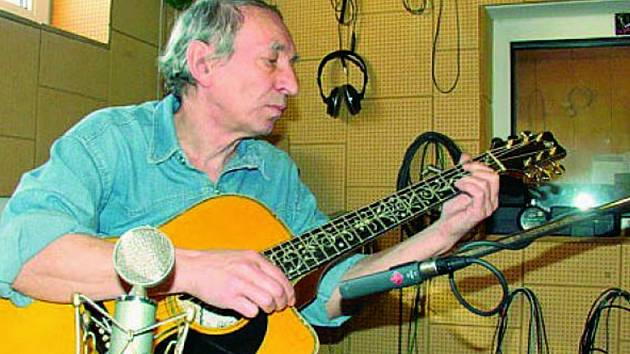 ¨Nejenom trampský písničkář Miki Ryvola přiznává, že mu  Rychlé šípy velmi imponovaly.