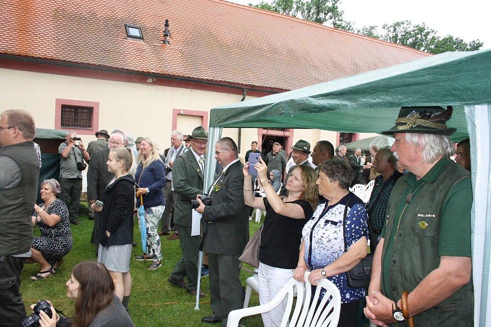 Zámek Ohrada u Hluboké nad Vltavou hostil v sobotu Národní myslivecké slavnosti.