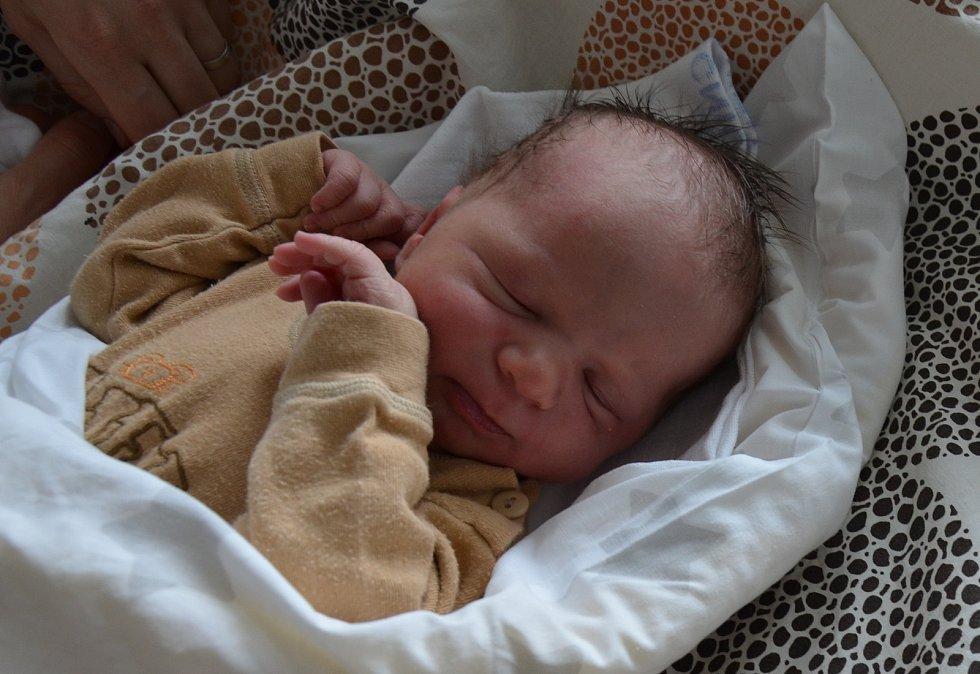 Ondřej Haloun z Myšence. Syn Evy a Tomáše Halounových se narodil 20. 3. 2021 ve 12.43 hodin. Při narození vážil 4000 g a měřil 54 cm. Doma se na brášku těšil Tomášek (2).