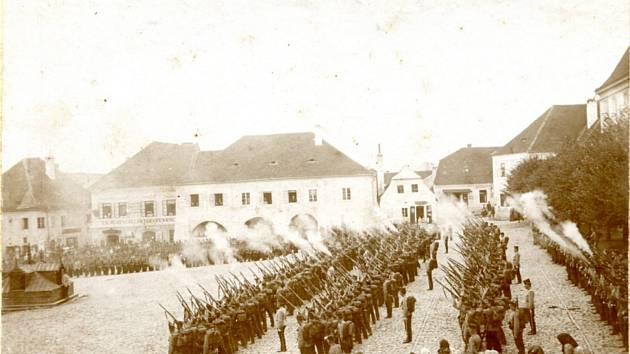 100 let od založení vojenské posádky v Týně nad Vltavou
