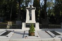 Hrobka budějovických biskupů na Otýlii.