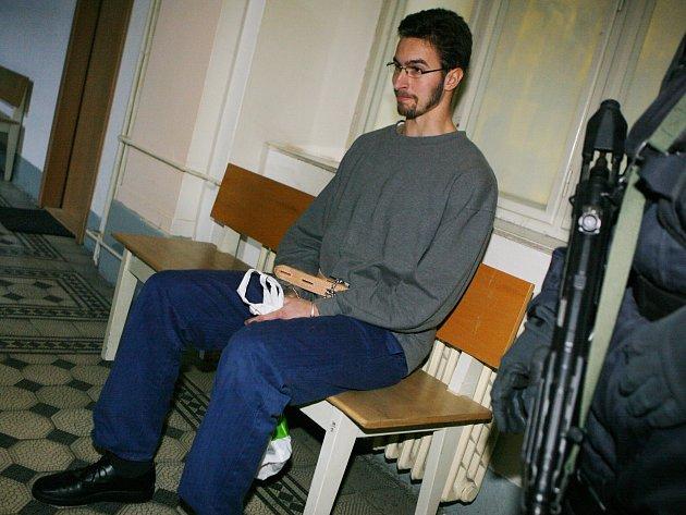 Jan Heidinger prozatím zůstane v Bohnicích. Podle soudu se jeho stav zlepšuje, měl by však ještě zapracovat na náhledu na svou nemoc.