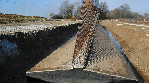 Výstavba D3 u Dolních Svinců.