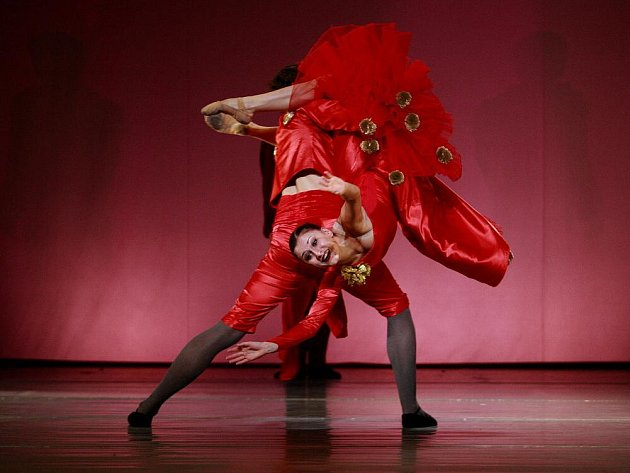 Louskáčka s hudbou Čajkovského uvede 11. 11. v premiéře balet Jihočeského divadla, režie Atilla Egerházi. Je určen dětem a dospělým s dětskou duší. Vypráví o kouzlu Vánoc, které může proměnit povahy lidí. Děti v doprovodu rodičů mají vstup zdarma.