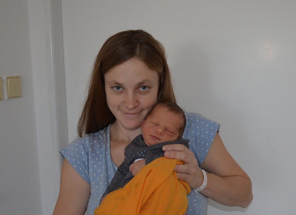 Michal Maňhal z Písku. Syn Jitky a Michala Maňhalových se narodil 11. 11. 2020 ve 14.17 hodin. Při narození vážil 3200 g a měřil 50 cm. Doma ho přivítal bráška Jan (3).