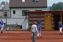 Ledenice vyhrály turnaj na Složišti. Na jaře chystají na svém stadionu, Zátoce Žraloků, úpravy vnitřního pole. Muži si poprvé zahrají II. ligu, kam postoupili.