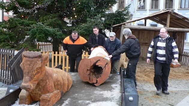 Odvoz betlému z českobudějovického náměstí.