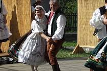 Miloslava Buldrová je členkou taneční složky českobudějovického folklórního souboru Furiant.