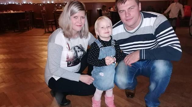 Hana Mazancová s dcerou Monikou a manželem Josefem.