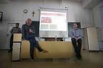 Debata s M. Ehrlichem, J. Boudalem a S. Muradem na Biskupském gymnáziu