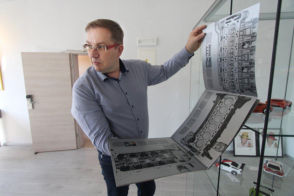 David Čermák sběratel bavoráků  vystavuje