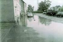 Následky přívalových dešťů na křižovatce Rudolfovské a Vodní ulice v Českých Budějovicích