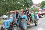 Traktor dovezl mistry do centra městysu. SK Ševětín porazil doma Lomnici 2:1 a mohl začít slavit postup do I.A třídy, kam se vrací po roce.
