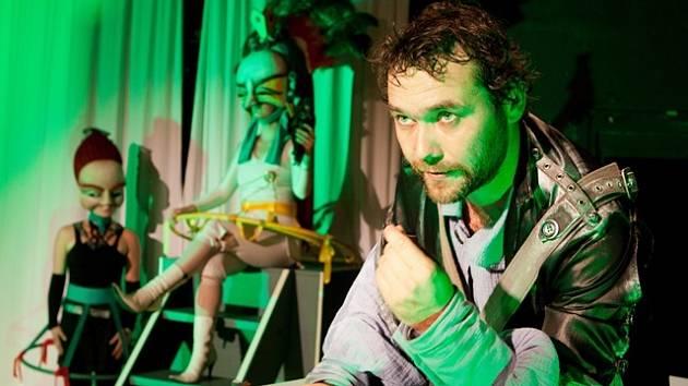 Sci-fi komedie Gulliverovy hvězdné cesty v Malém divadle v Českých Budějovicích.