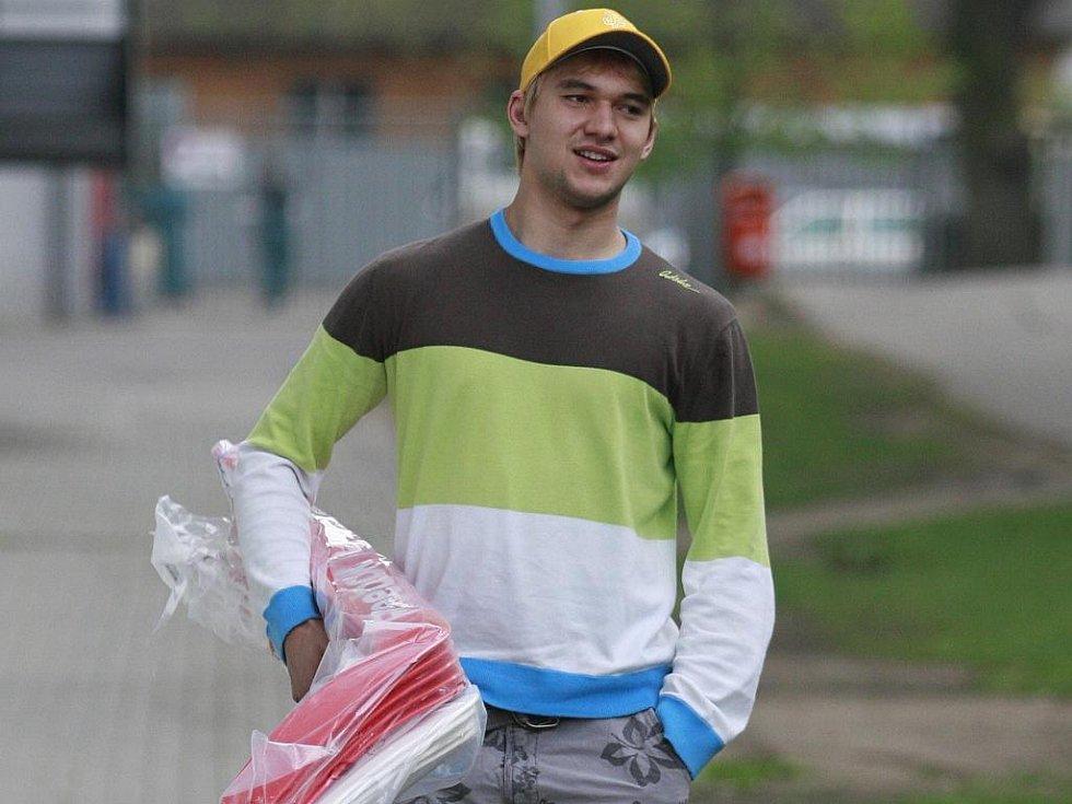 Jakub Kovář se zastavil na jihu Čech pro hokejky a nyní už se chystá na mistrovství světa.
