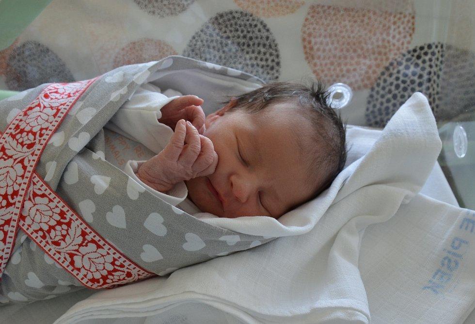 Elen Marešová z Bechyňské Smolče. Prvorozená dcera Markéty Vochozkové a Pavla Mareše se narodila 25. 5. 2021 v 17.25 hodin. Při narození vážila 3200 g a měřila 51 cm.