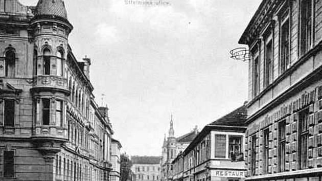 Ulice 28. října v roce 1910, vlevo Hauptvogelův dům č.7.