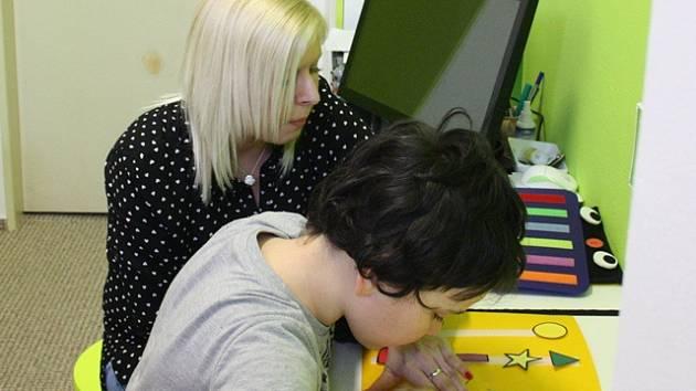 Individuální přístup potřebují děti, které trpí poruchou autistického spektra.