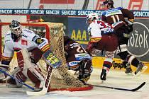 Brankář Roman Turek je velkou oporou hokejistů HC Mountfield.