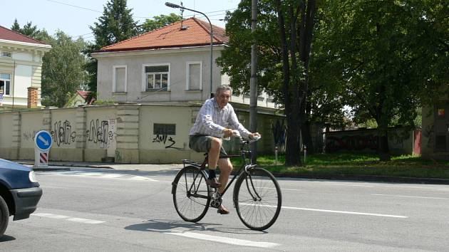 Nového investora hledají České Budějovice pro část bývalých kasáren mezi Pražskou třídou a Jírovcovou ulicí.