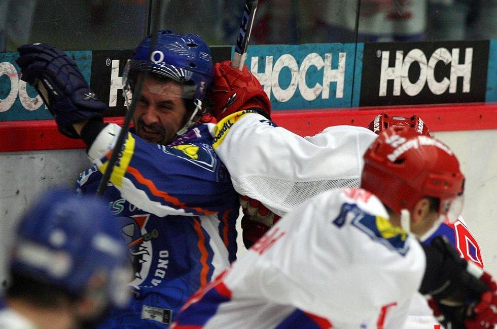 Jan Dlouhý v souboji se Štěpánem Hřebejkem u hrazení