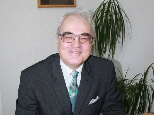 Lubomír Pána vede Vysokou školu evropských a regionálních studií vČeských Budějovicích. Nyní ho zlákal návrh stát se rektorem Jihočeské univerzity.